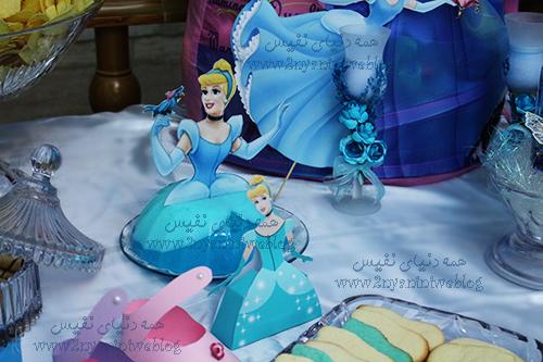 blue cinderella theme party happy footprint birthday helma 17month's ژله سیندرلا جشن قدم جشن تاتی حلما 17ماهگی اولین قدم مبارک تم تولد سیندرلا لباس آبی