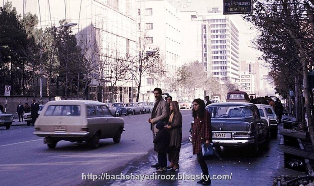http://s7.picofile.com/file/8234294750/blvd_takhtjamshid_tehran_1970.JPG