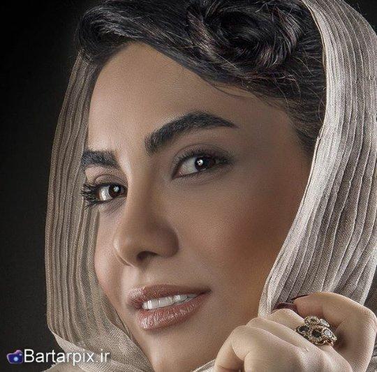 http://s7.picofile.com/file/8235941576/www_bartarpix_ir_elahe_farschi_bahman_94_3_.jpg
