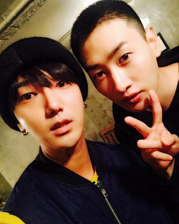 http://s7.picofile.com/file/8236331492/151013_Yesung_Twitter_and_Instagram_Update_1_.jpg