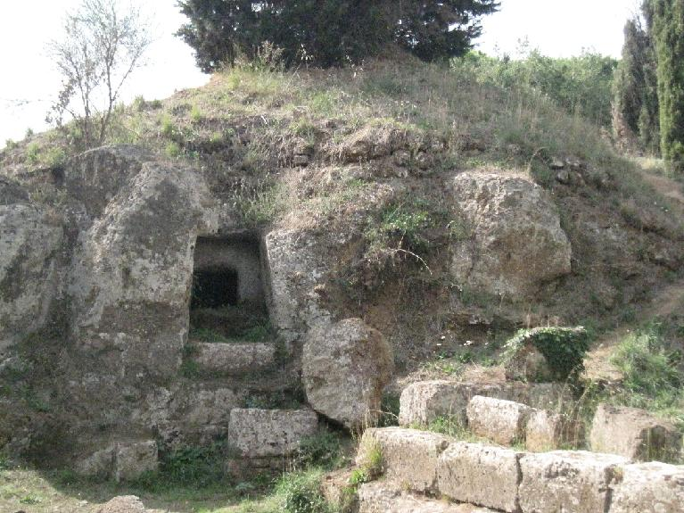 outside of a tumulus تومولوس تماشا...( عکس )