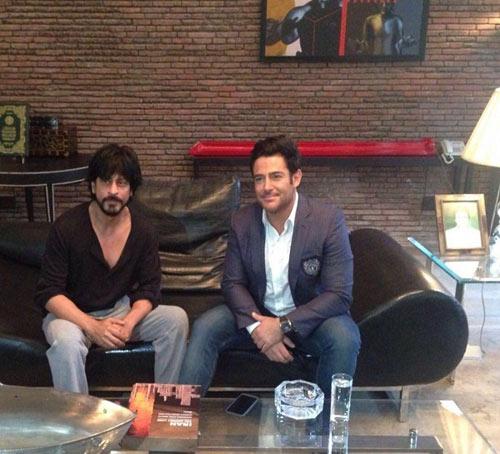 دعوت گلزار به منزل شاهرخ خان در بمبئی , اخبار سینما