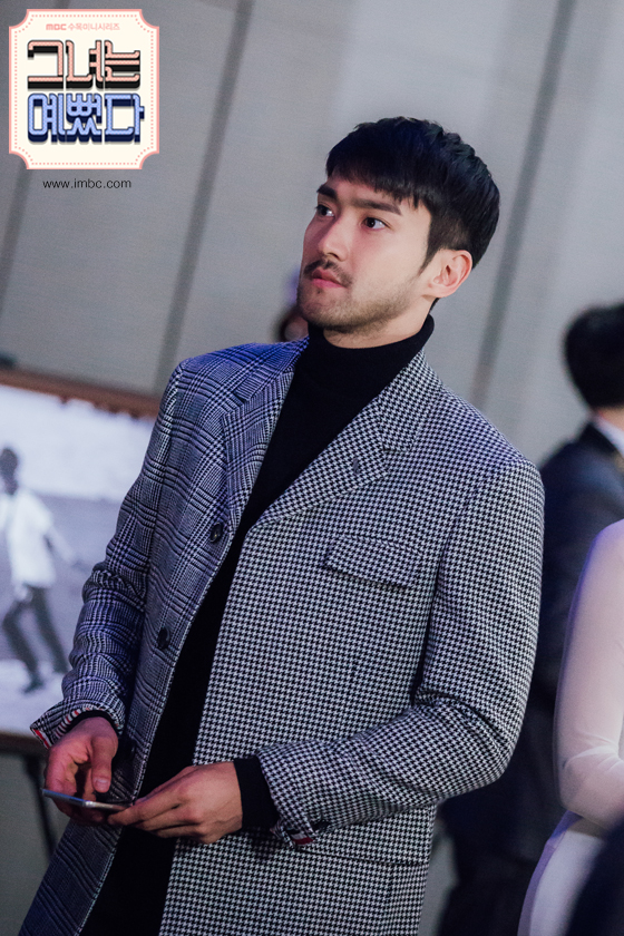 http://s7.picofile.com/file/8243924684/151015_mbc_she_was_pretty_update_siwon10.jpg