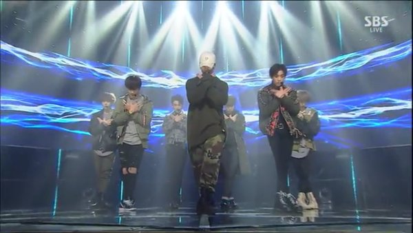 SBS Inkigayo fly