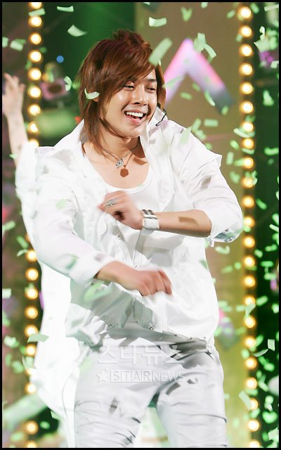 KHJ in Performance of a song calling for U - 2008.03.13