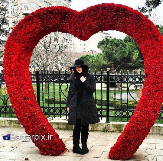 http://s7.picofile.com/file/8247130050/www_bartarpix_ir_sara_monajezi_farvardin_95_2_.jpg