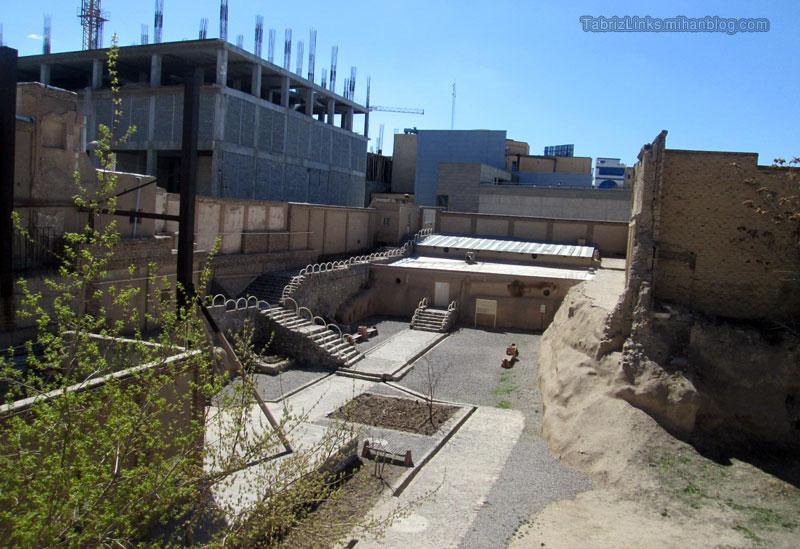 محوطه مسجد کبود