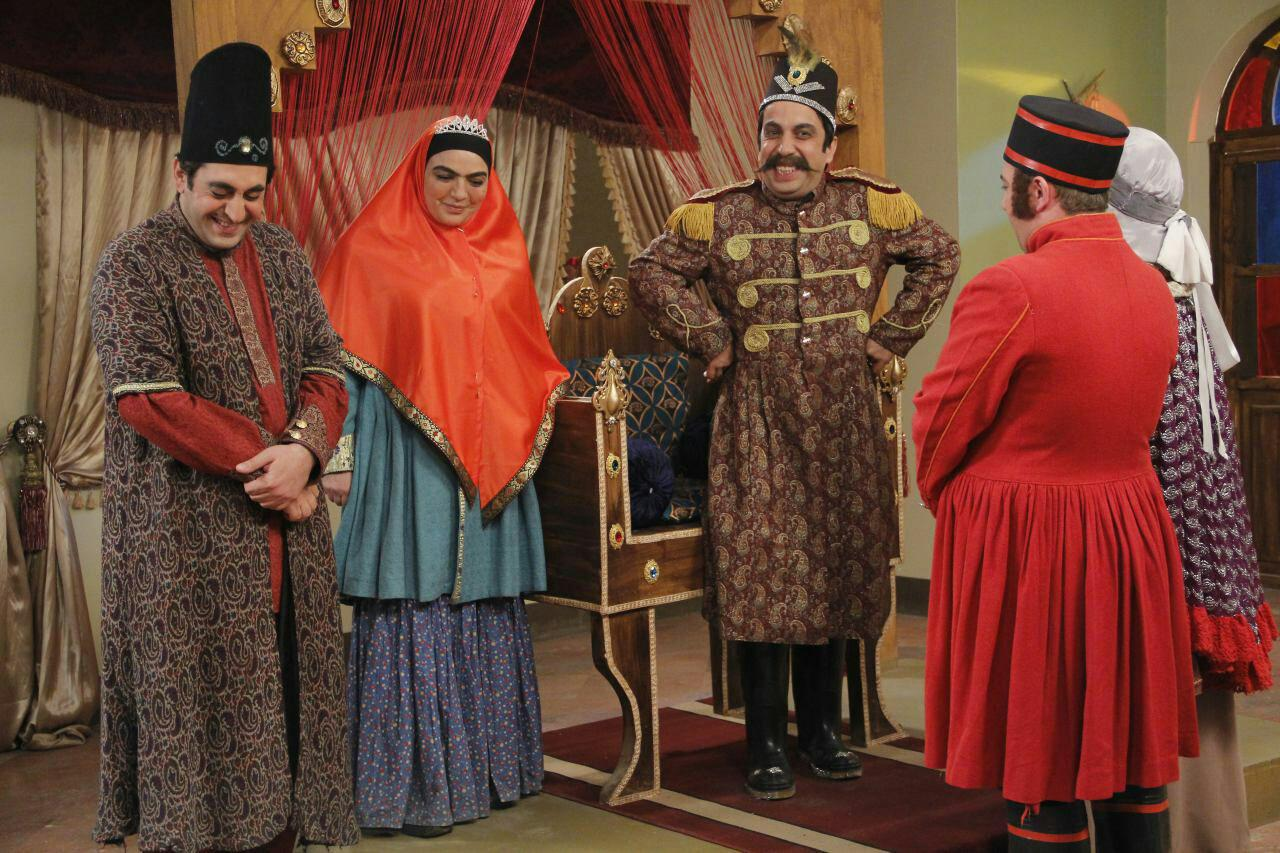 عکس سریال چارسو عکس جدید بازیگران سریال شبکه سه بیوگرافی روشان امیری بازیگران سریال چارسو