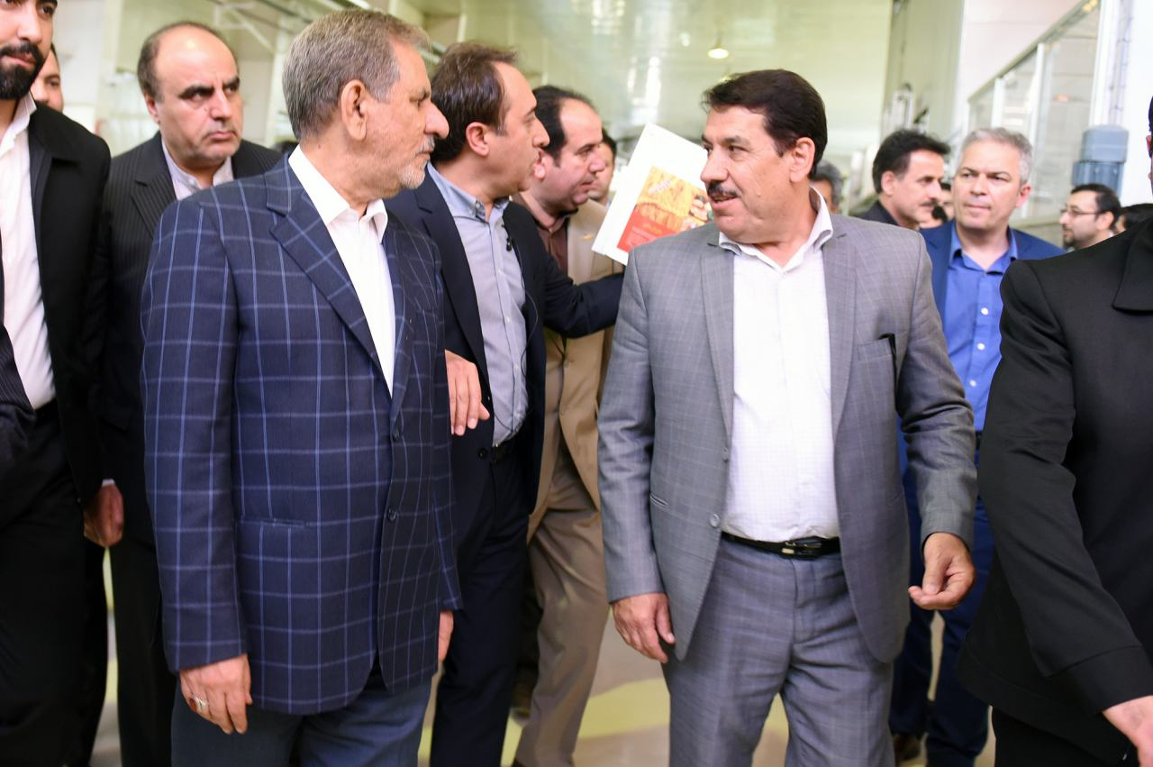 ارایه گزارش دکتر محرابی از عملکرد خانه کرمانشاه در دیدار فعالاناقتصادی با دکتر جهانگیری