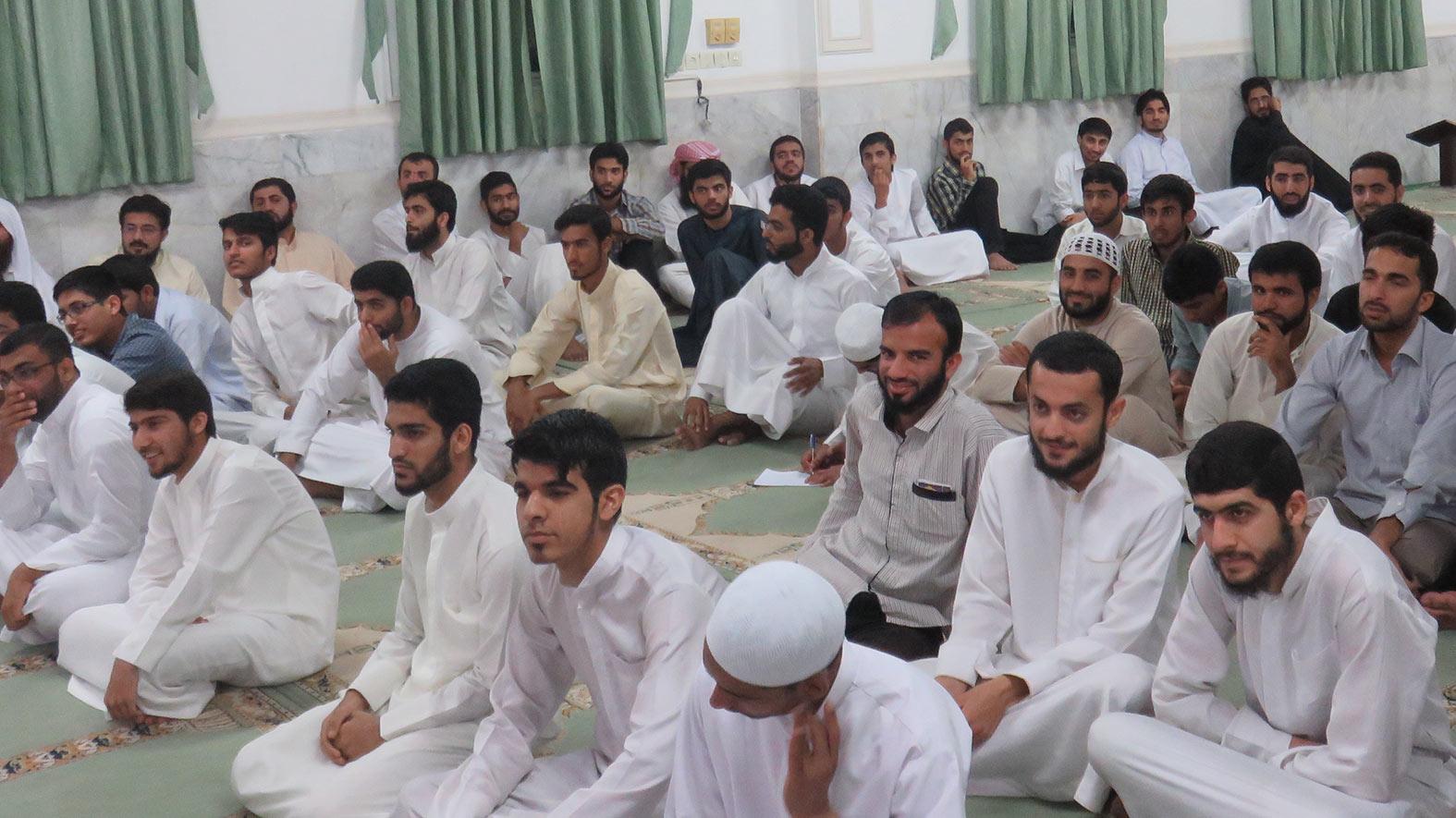 مراسم تقدیر از طلاب سال چهارم عالی سال تحصیلی 95-94 مجتمع دینی اهل سنت وجماعت بندرعباس