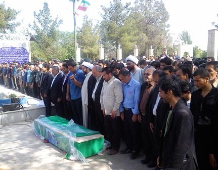 شهید مدافع حرم در فلاورجان تشییع شد