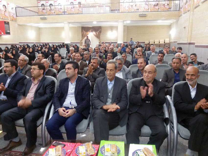 آقای علیرضا زارع قاضیجهانی برای دومین باربه عنوان معلم نمونه شهرستان آذرشهر برگزیده شد