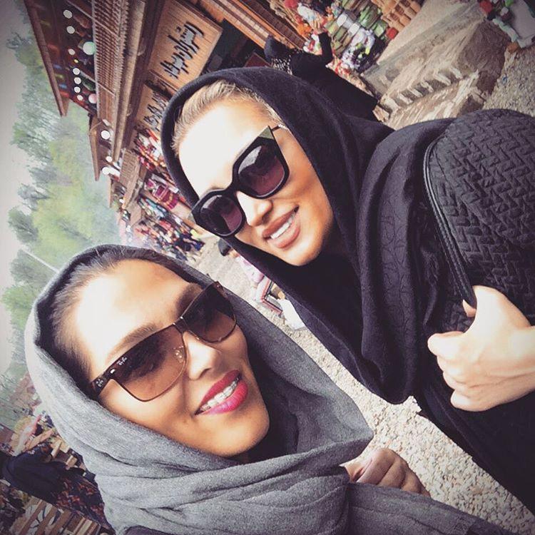 عکس سلفی روناک یونسی با خواهرش