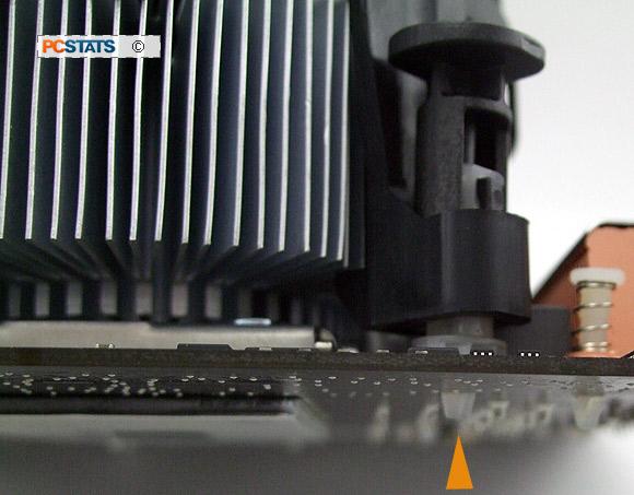 کابل برق فن را به کانکتور مرتبطش در روی مادربرد وصل کنید
