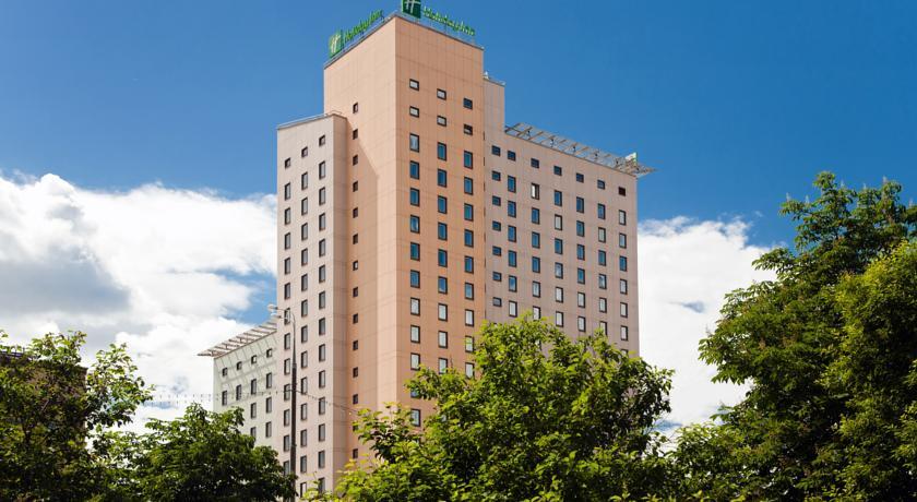 هتل هالیدی این ساچفسکی