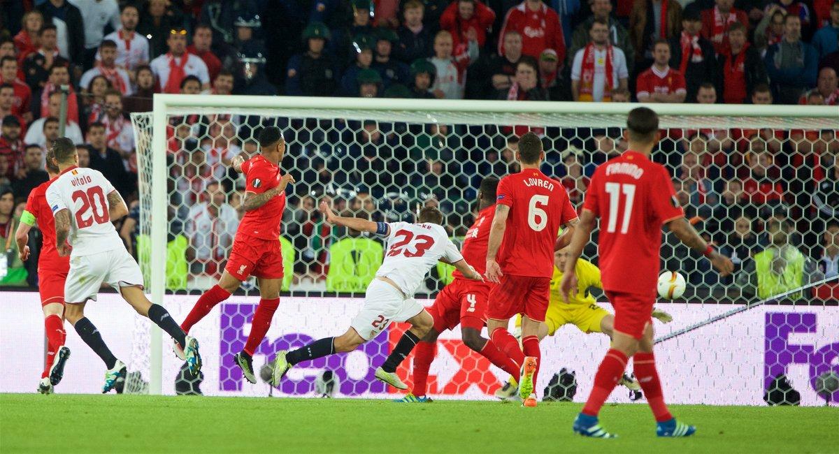 http://s7.picofile.com/file/8251996042/P160518_062_EUROPA_FINAL_Liverpool_Sevilla.jpg