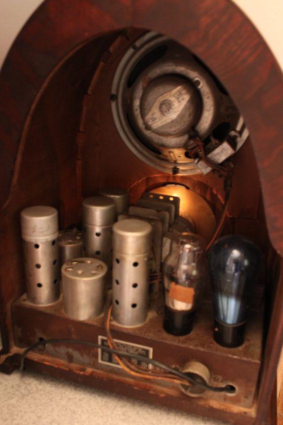 رادیو قدیمی آنتیک