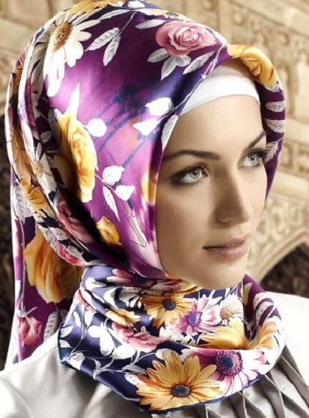 روسری بنفش گلدار