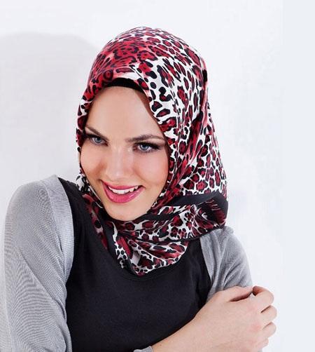 روسری مارک دار زیبا