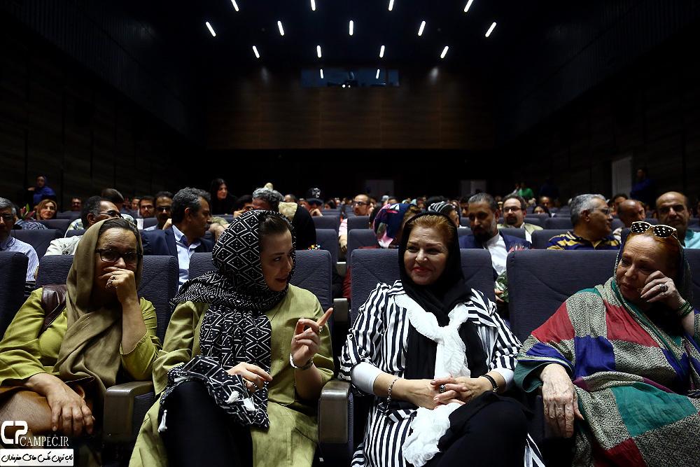 بازیگران در مراسم رونمایی از مستند شهرداد روحانی