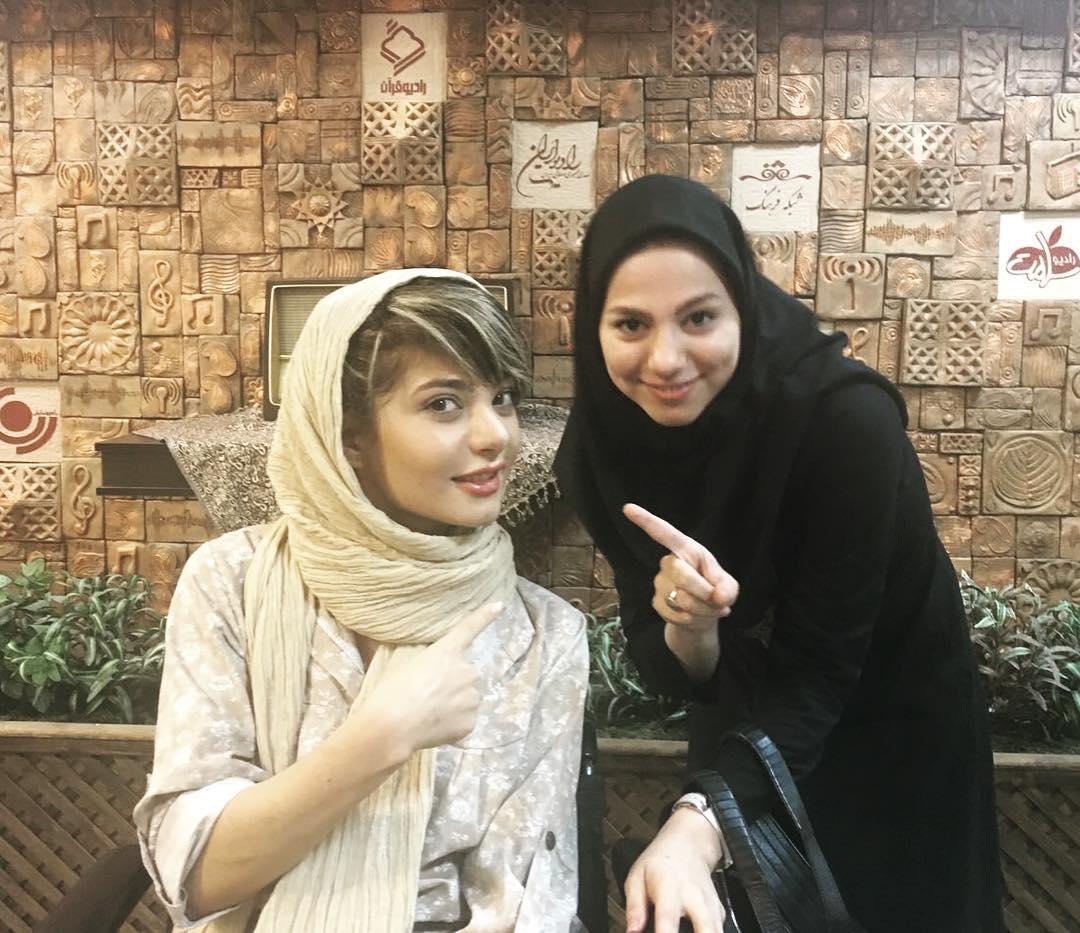 سارا عبدالملکی با محیا اسناوندي
