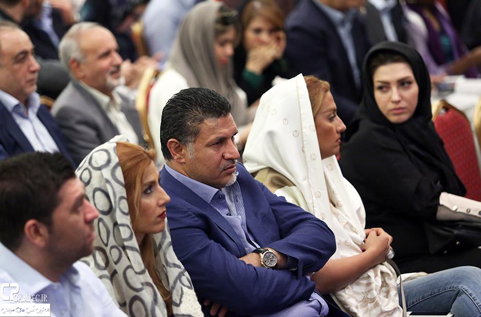 علی دایی و همسرش در حراج بزرگ آثار هنری در تهران
