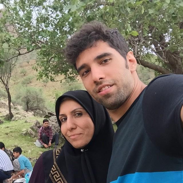 سید محمد موسوی با مادرش