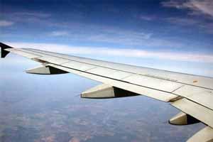 بال یک هواپیما علت ترافیک سنگین تهران - کرج , حوادث