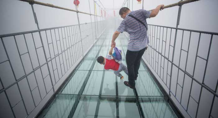 درازترین پل شیشه ای جهان در چین ساخته شد +عکس , عمومی