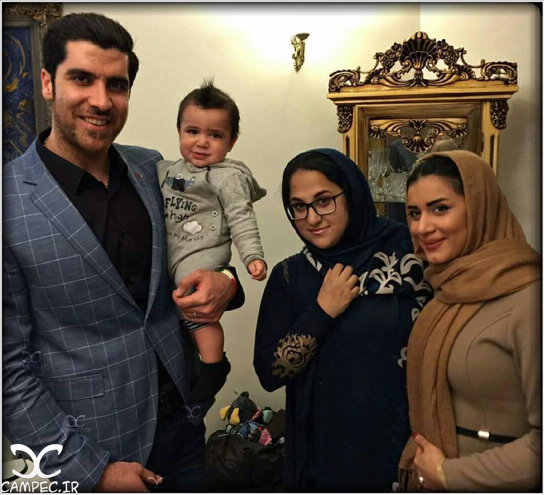 عکس شهرام محمودی با همسر و فرزندش