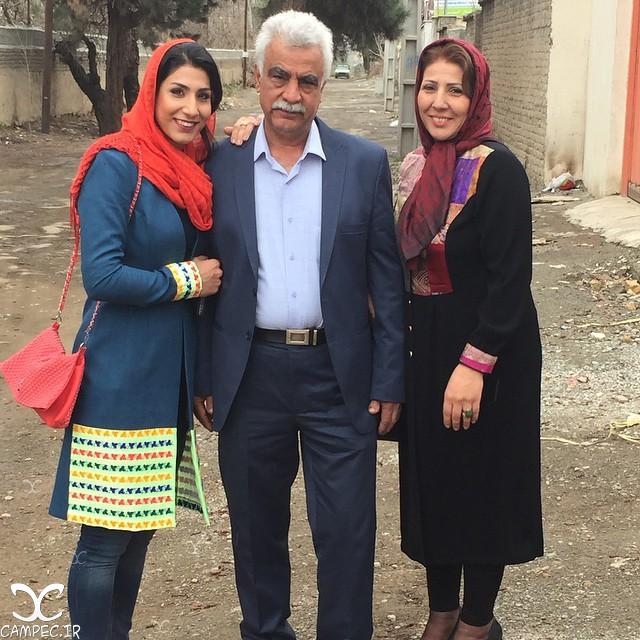 حمیده عباسعلی با پدر و مادرش