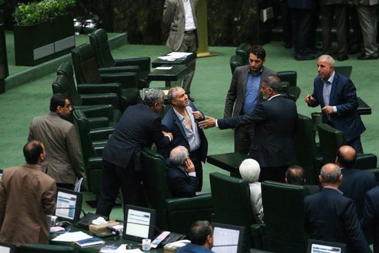 صحنه های اکشن در صحن مجلس! +عکس , سیاسی
