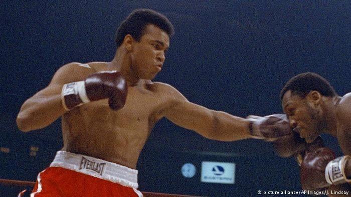 زندگینامه محمد علی کلی بزرگترین ورزشکار قرن بیستم , اخبار ورزشی