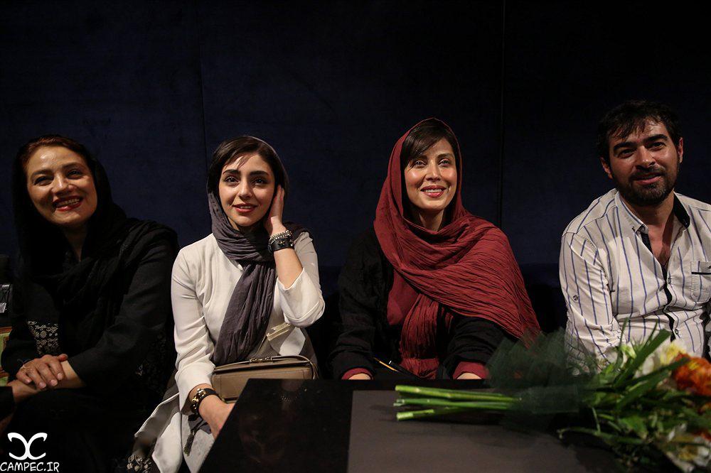 بازیگران در مراسم گلریزان فیلم چهارشنبه