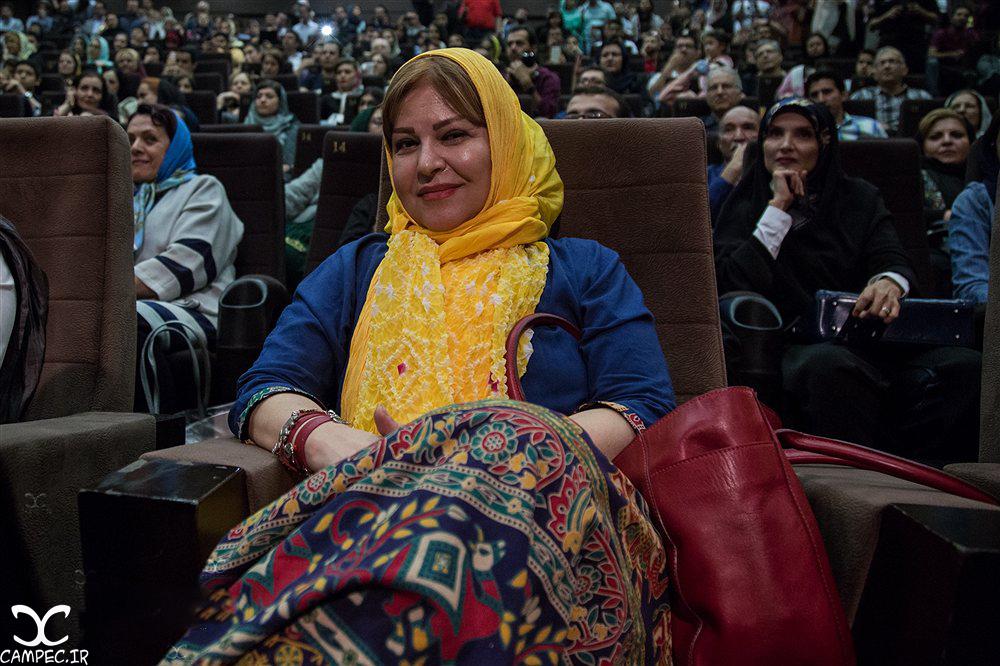 اکرم محمدی در مراسم گلریزان فیلم چهارشنبه