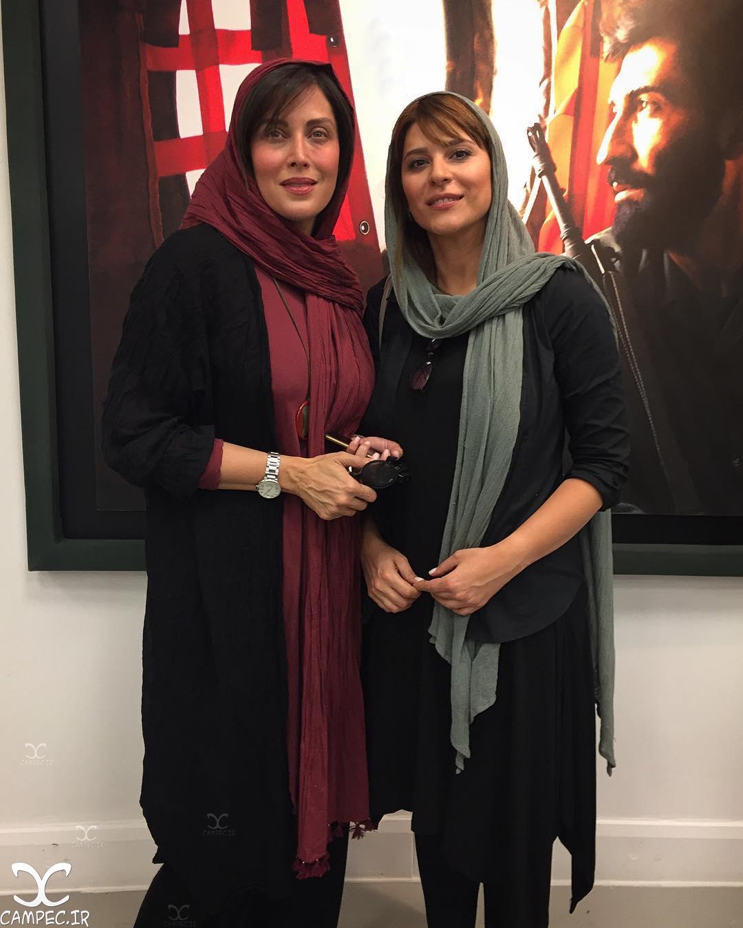 سحر دولتشاهی و مهتاب کرامتی در نمایشگاه عکس ایستاده در غبار