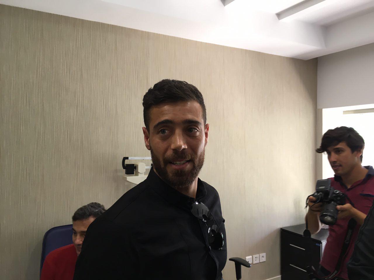 آیا آرش افشین به استقلال می رود؟ +بیوگرافی , فوتبال ایران