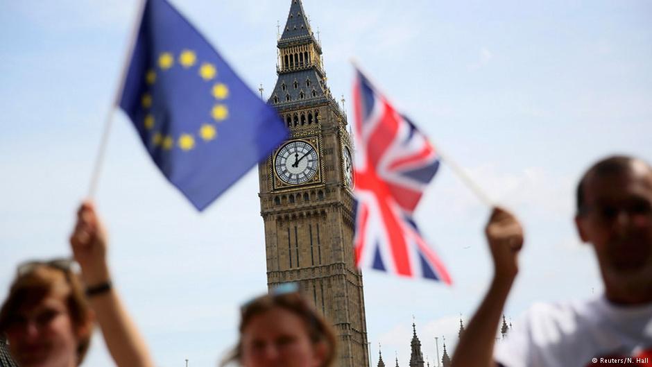 همهپرسی در بریتانیا بر سر آینده این کشور در اتحادیه اروپا آغاز شد