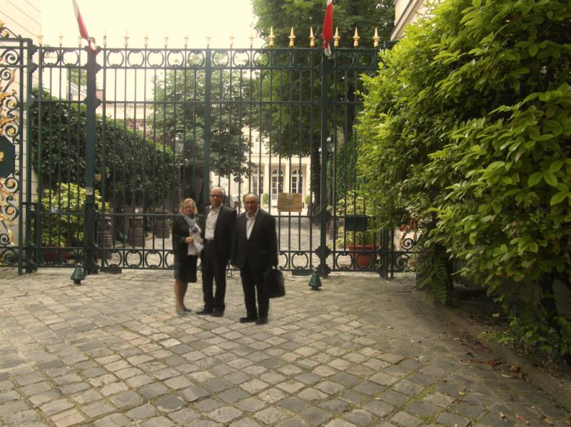 دیدار و گفتگوی سه ساعته هیأتی از جدا شدگان فرقۀ رجوی با معاون سفیر لهستان در پاریس