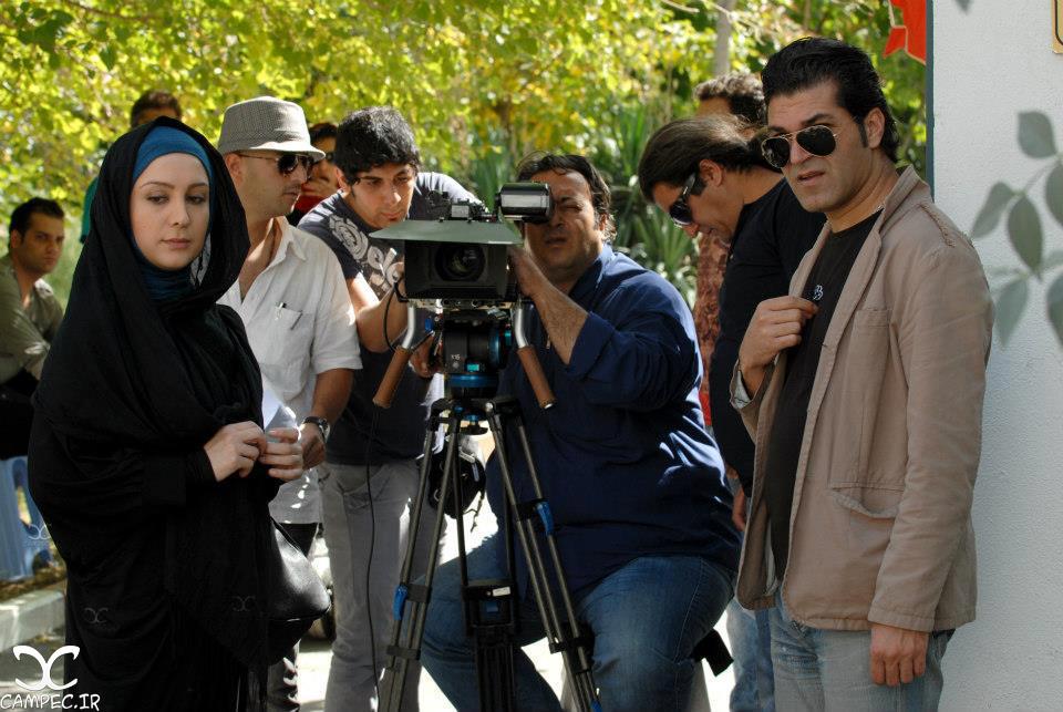 ماندانا قاجار در پشت صحنه سریال میلیاردر