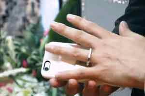 ازدواج عجیب : ازدواج با گوشی موبایل +مراسم , جالب وخواندنی