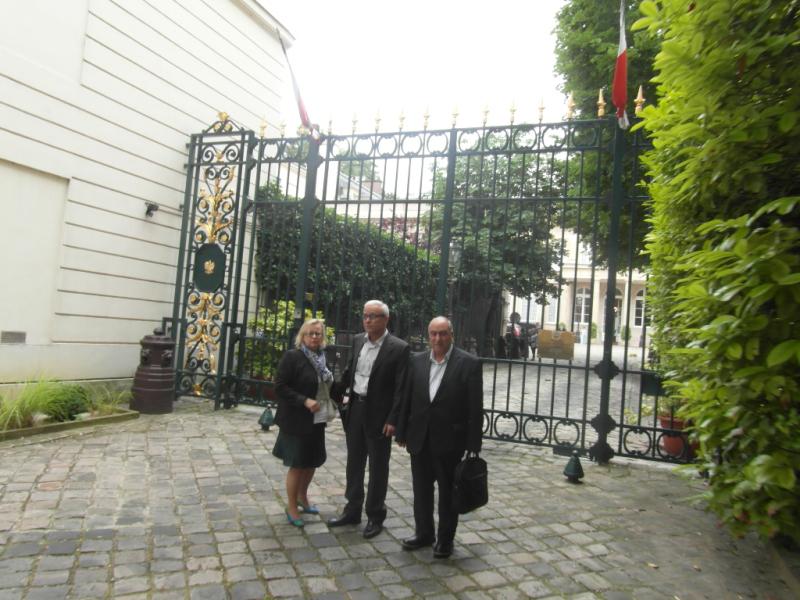 ملاقات سه ساعته هیأتی از جدا شدگان فرقۀ رجوی با معاون سفیر لهستان در پاریس