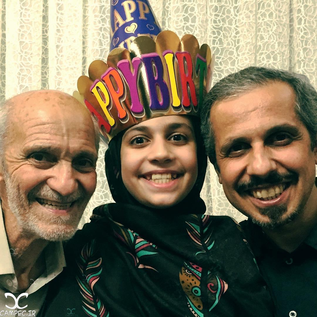 جواد رضویان در کنار دختر و پدرش در روز تولد دخترش