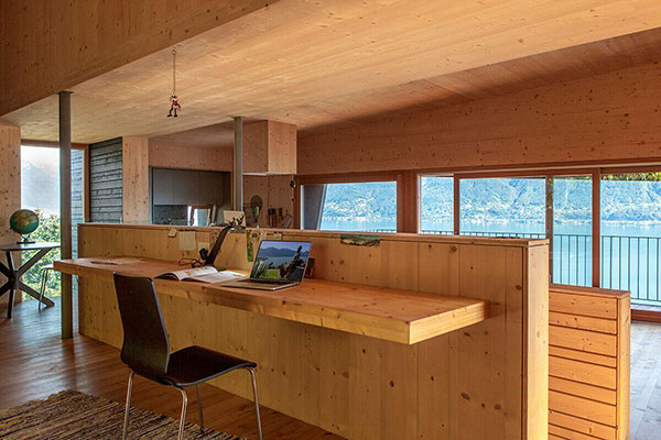 ویلایی معاصر در کنار دریاچه در سوئیس