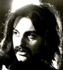 اهنگ ساز,گیتاریست و پیشگام موزیک راک