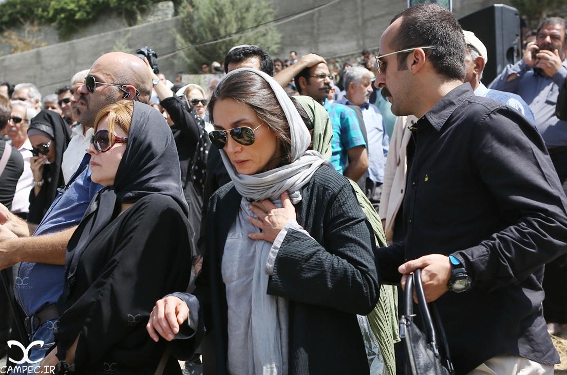 هدیه تهرانی در مراسم خاکسپاری عباس کیارستمی