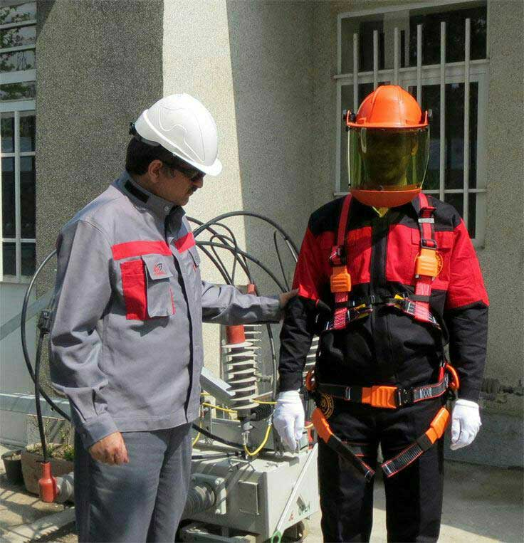 رضا نیک پیام، ایمنی برق، تجهیزات کار در ارتفاع