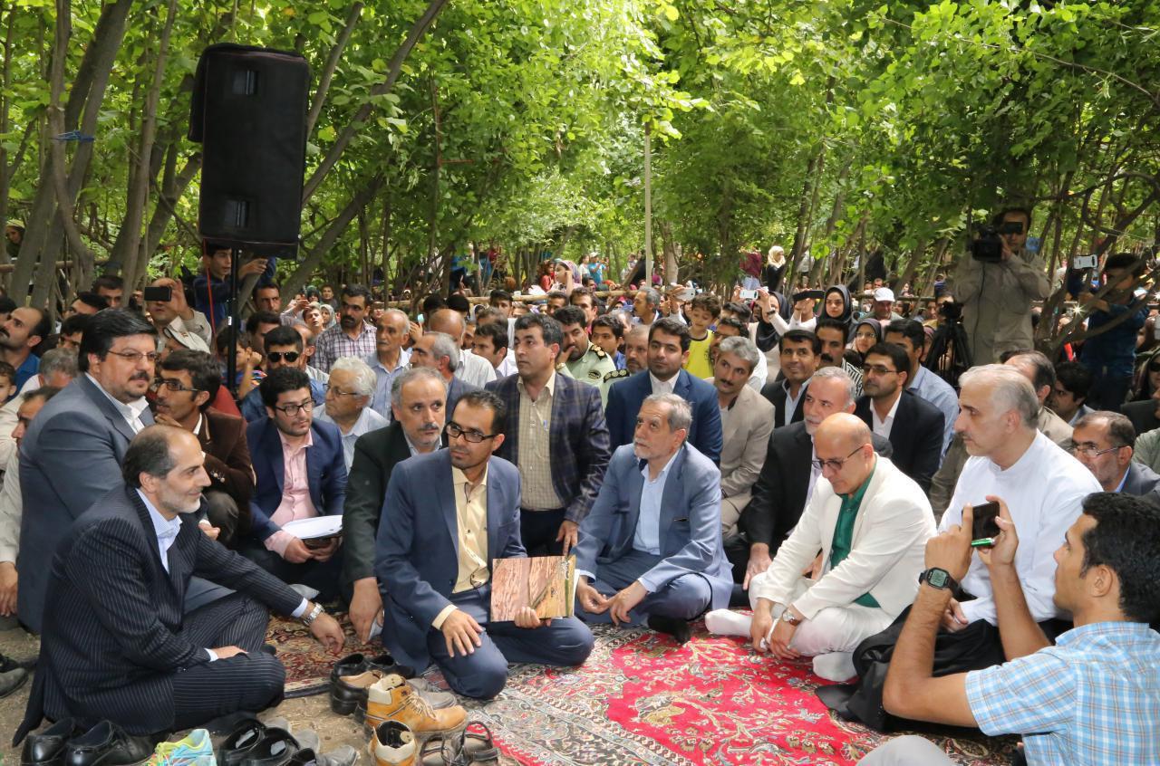روستای هیر اولین جشنواره زغال اخته   یازدهم شهریور نود  و پنج
