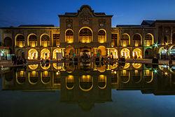 در نزدیکی کدام میدان تهران عمارت مسعودیه واقع شده است؟