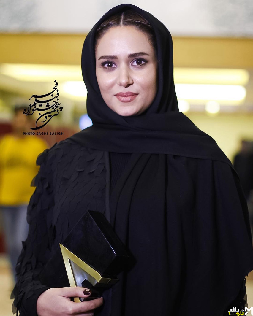 پریناز ایزدیار در افتتاحیه جشنواره 35 فیلم فجر